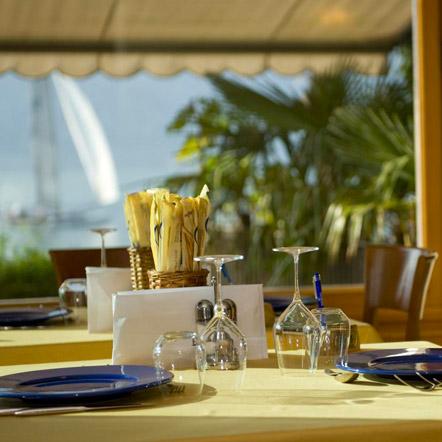 Il ristorante con vista lago dell'Hotel Astoria a Malcesine